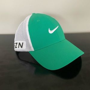 NEW Nike Golf Hat